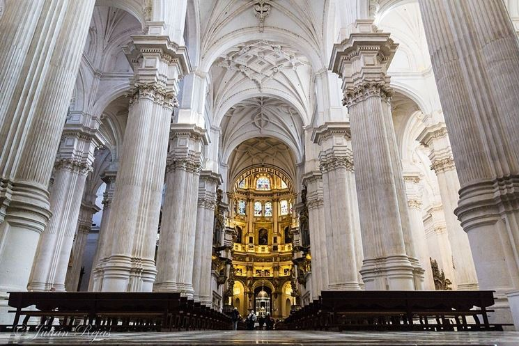 L'imponente cattedrale di Granada