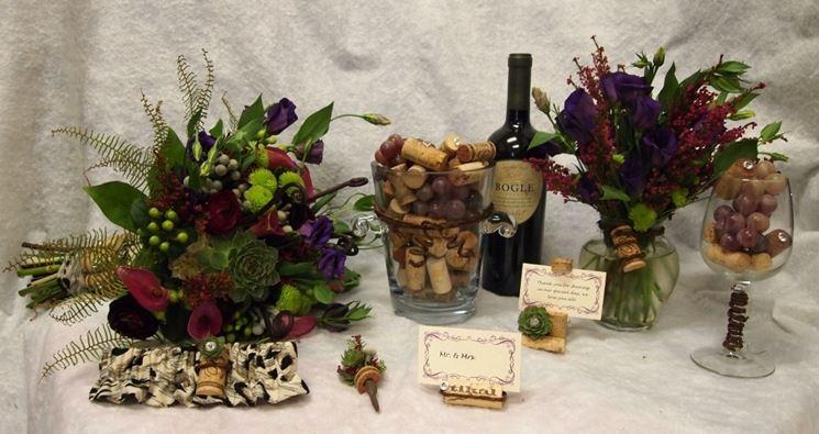 Materiali naturali e fiori per le decorazioni