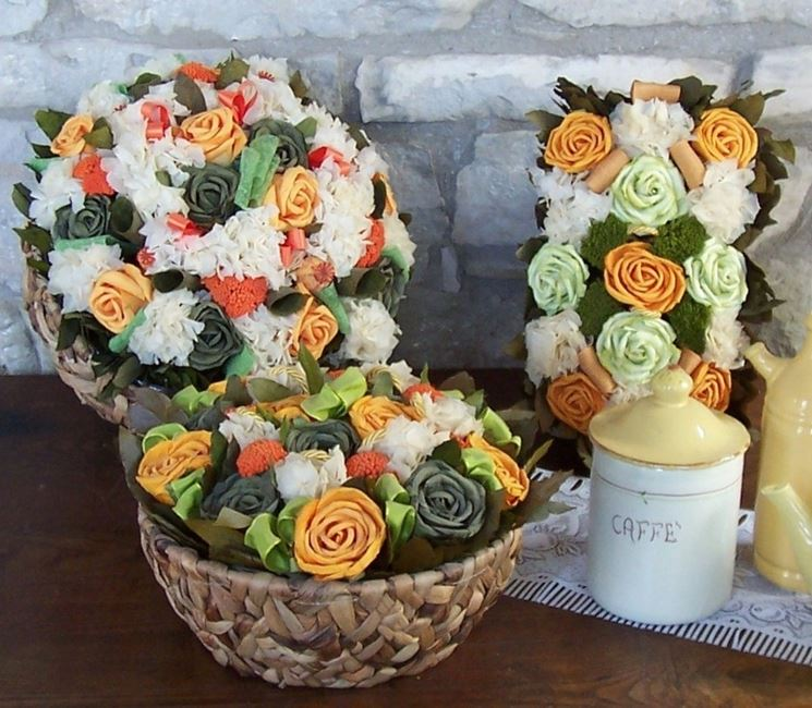 Composizione floreale di fiori secchi
