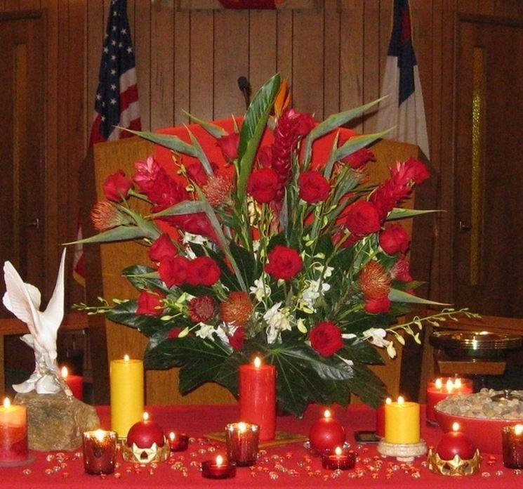 Composizione floreale per Pentecoste