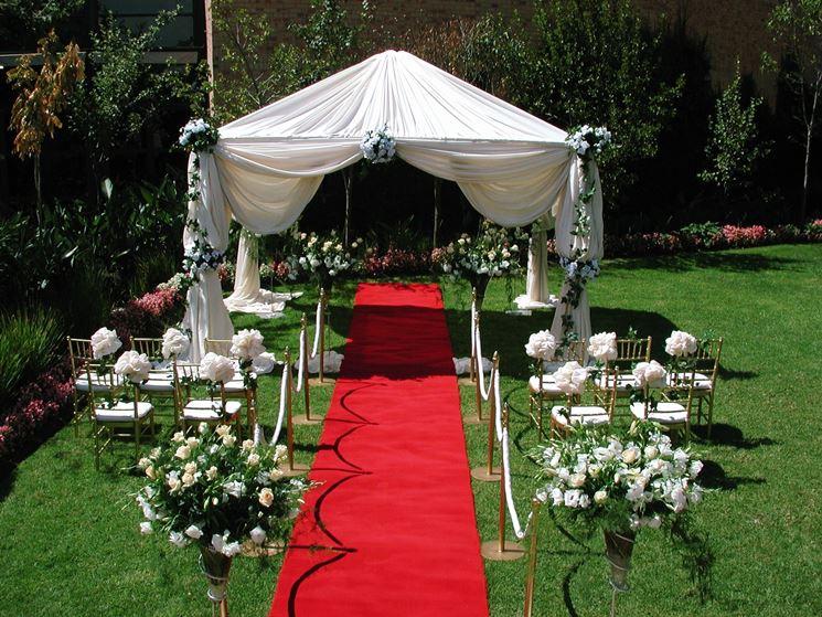 addobbi per matrimonio all'aperto