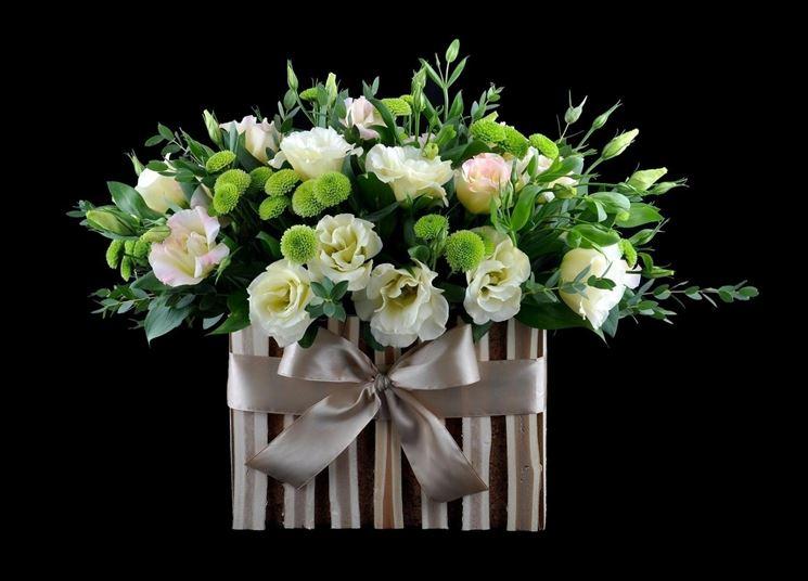 Composizione floreale con lisianthus