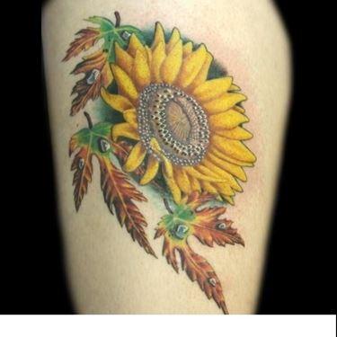 Tatuaggio di un girasole