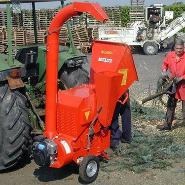 Biotrituratore Caravaggi BIO 200 con alimentazione a trattore.