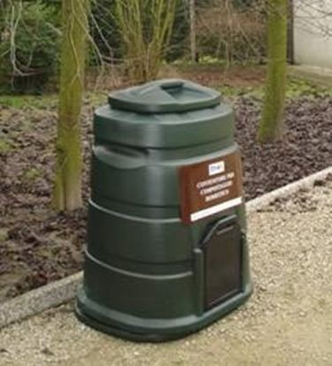 Un esempio di compostiera.