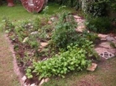 giardino curato con calcio