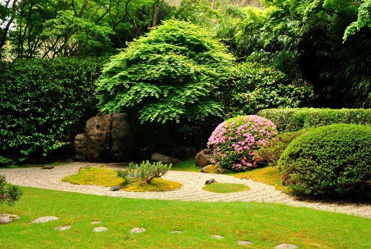 Giardini in fiore giardinaggio come realizzare - Alberi bassi da giardino ...