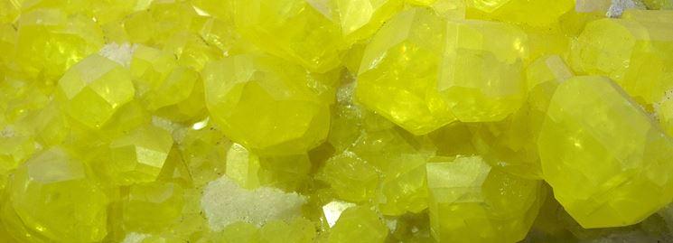 Lo zolfo sotto forma di cristallo