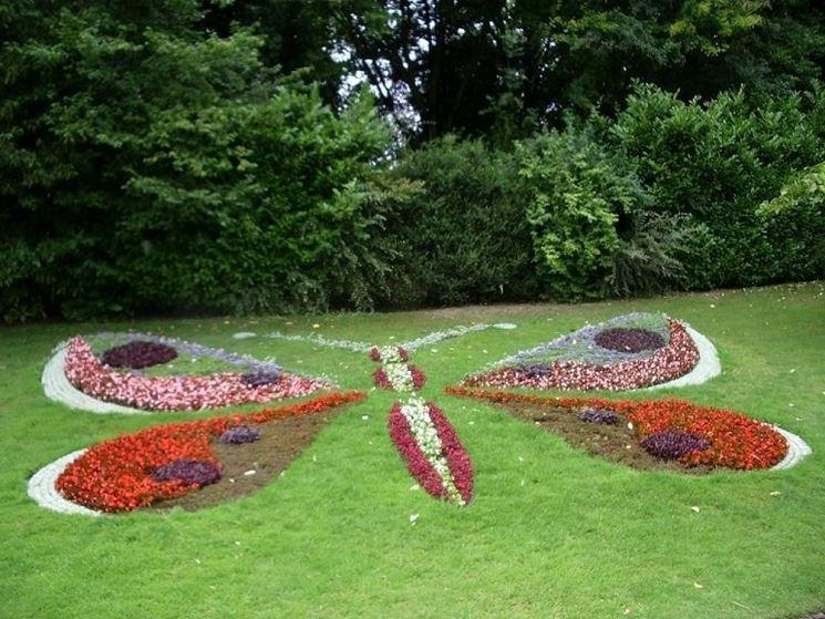 Come fare un aiuola piante grasse come fare un aiuola for Flower bed shapes designs