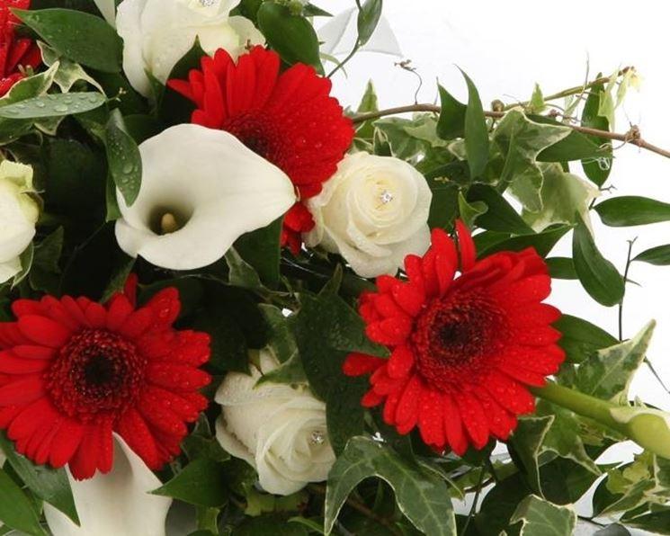 Bouquet da sposa con gerbere rosse