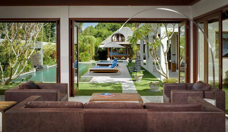 Semplici ma comodi elementi di arredo per giardino