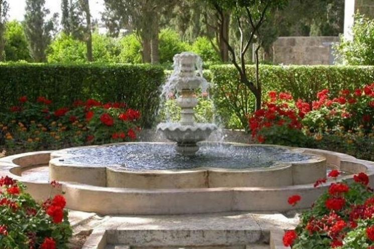 Una fontana ornamentale