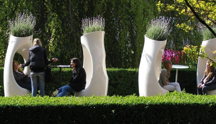 Originali sedute da esterno che uniscono l'utilità del vaso