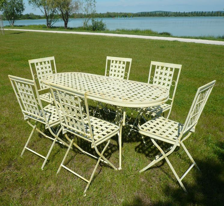 Sedie E Tavoli In Ferro Per Giardino.Tavolino In Ferro Battuto Per Esterno Sedia With Tavolino In Ferro