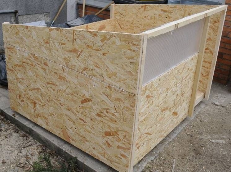 Cuccia con tetto a uno spiovente
