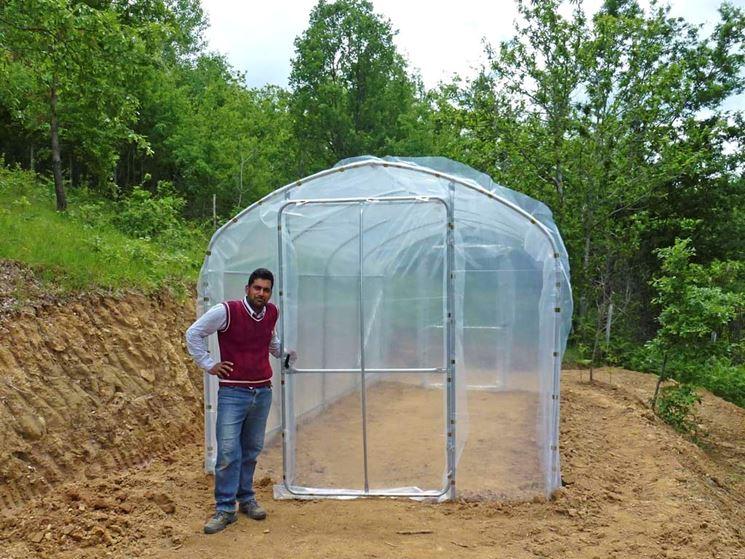 Installare una serra da giardino idee per interni e mobili - Serre da giardino usate ...