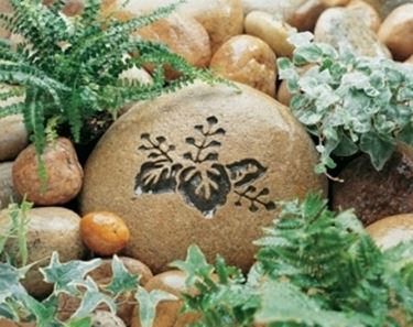 Pietre da giardino complementi arredo giardino for Complementi da giardino