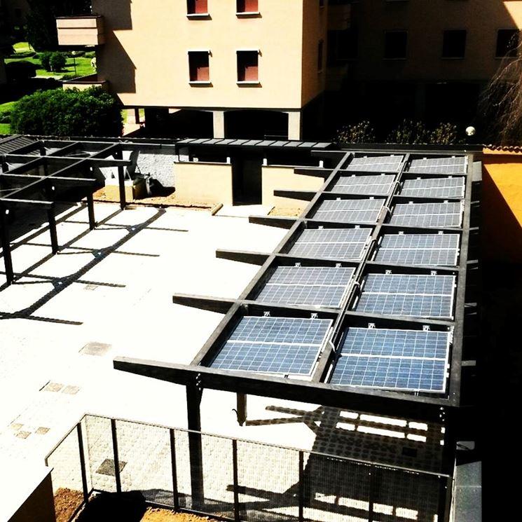 Box auto con copertura in fotovoltaico