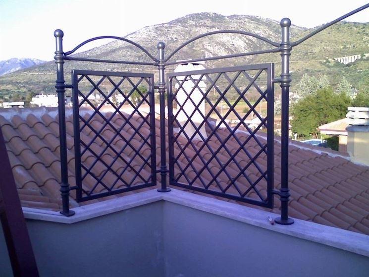 Grigliati per terrazzi grigliati e frangivento - Barriere antirumore per terrazzi ...