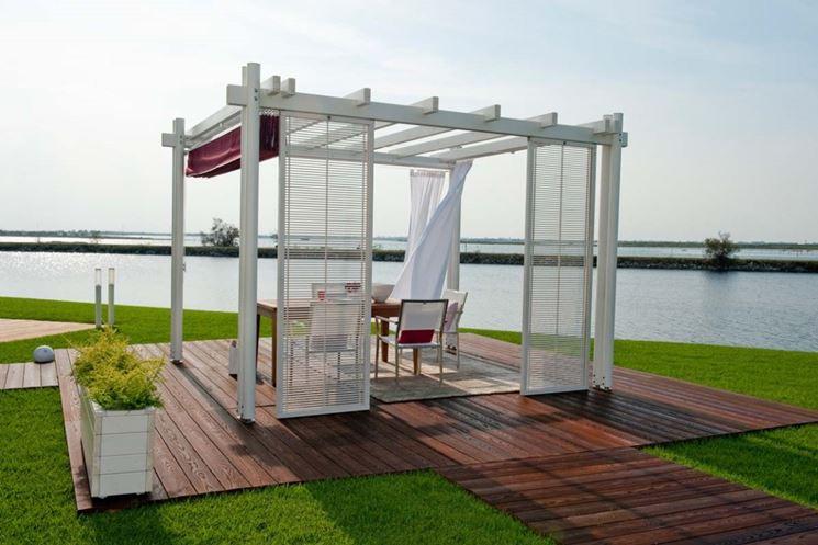 Casa moderna roma italy grigliati legno for Grigliati in alluminio per terrazzi prezzi