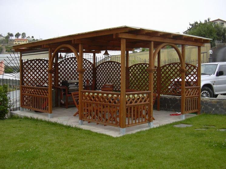 Gazebo realizzato in legno