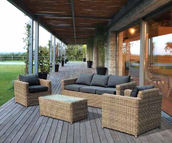 Arredamenti giardino mobili giardino come arredare il for Ballard progetta mobili da giardino