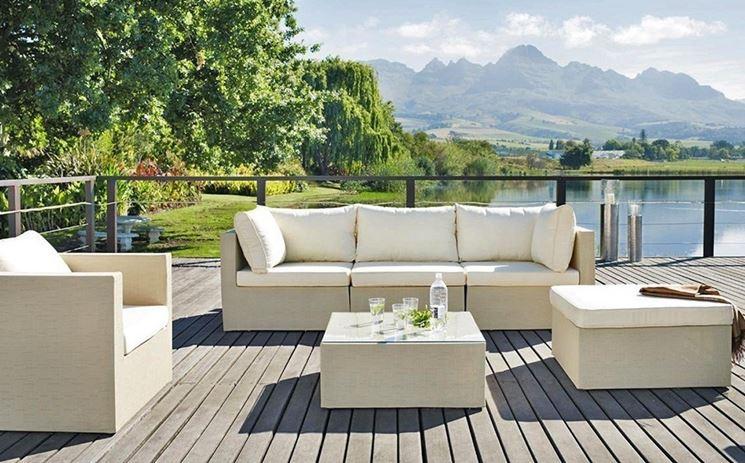 Arredamenti per giardini mobili giardino arredare il for Mobili per terrazzi e giardini