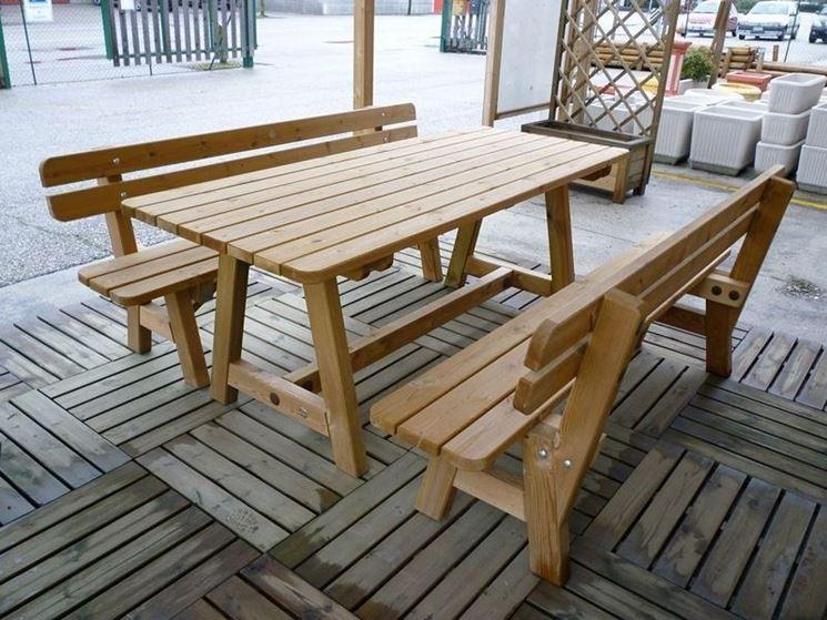 Panchina da esterni in legno