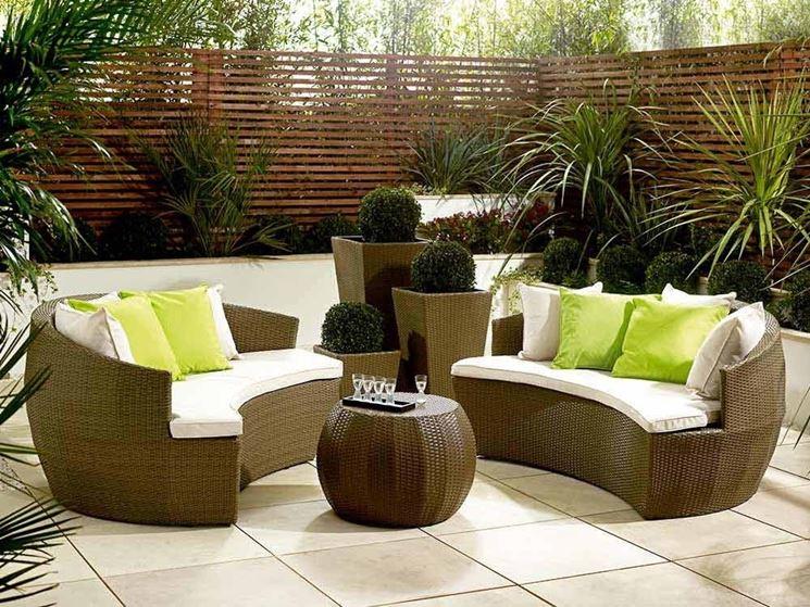 Divani da giardino mobili giardino caratteristiche dei - Divano in vimini ...