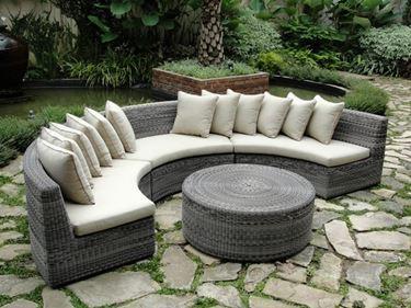 divano da giardino circolare