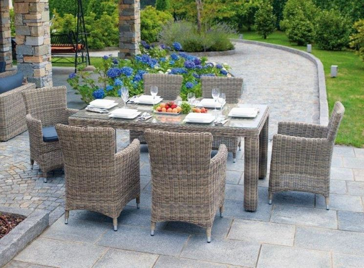 Un perfetto connubio tra mobili da giardino e natura