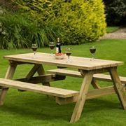 Un tavolo in legno