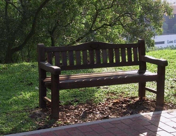 Panchine in legno mobili giardino for Abete da giardino