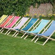 semplici sdraio da giardino colorate