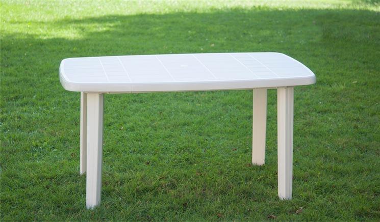 Tavoli da giardino plastica mobili giardino tavoli per for Tavolo plastica pieghevole