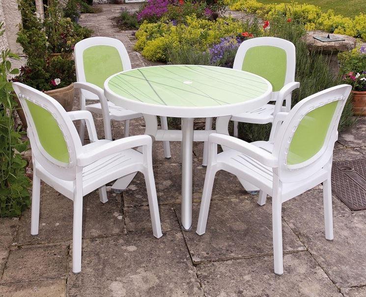 Tavolo in plastica colorato