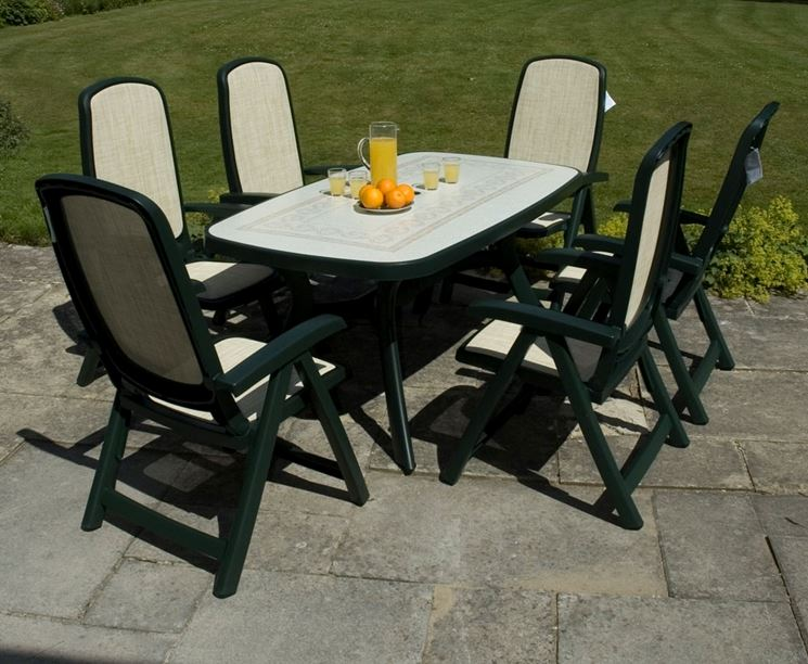 Tavolo bianco e verde