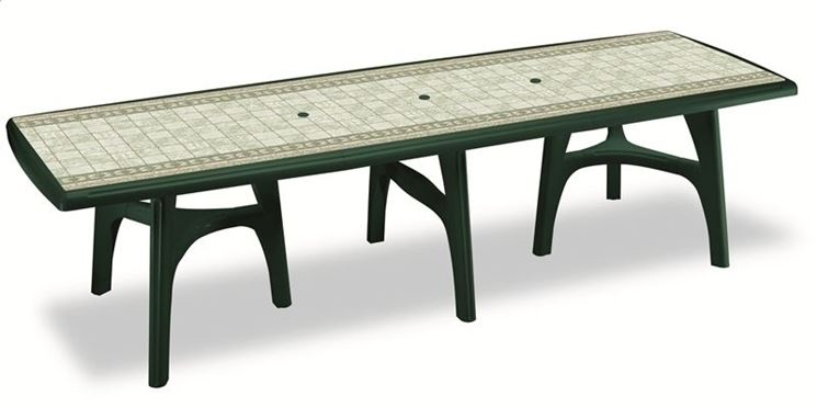 Grande tavolo in plastica