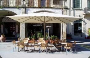Vendita ombrelloni da giardino ombrelloni da giardino for Mercato mobili usati