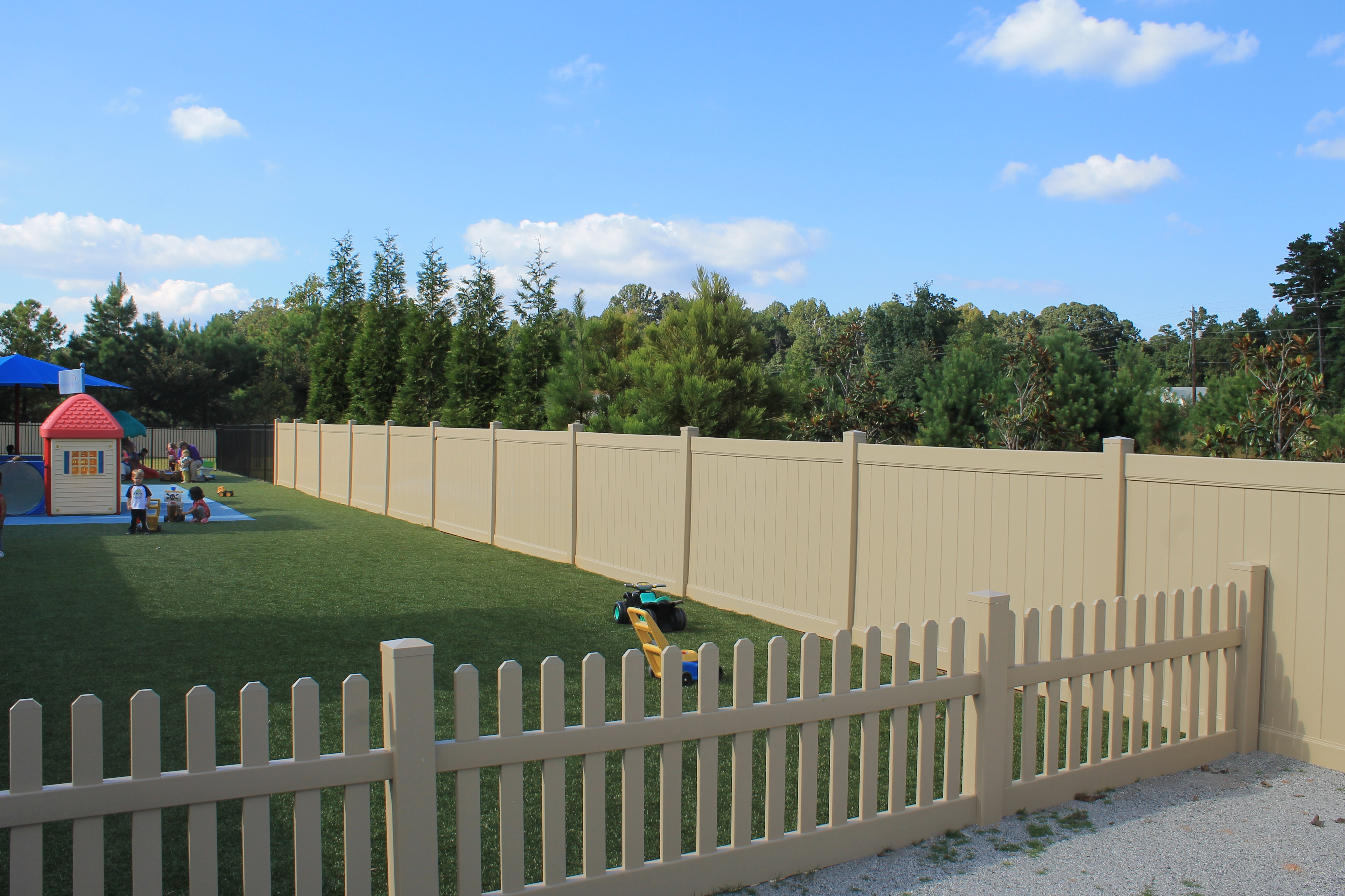 Recinzioni in pvc recinzioni for Mobili da giardino pvc