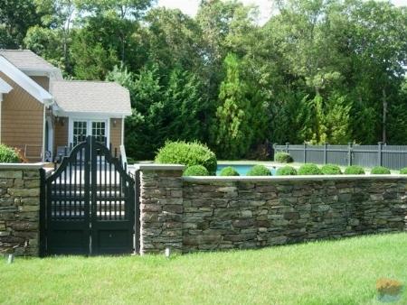 Recinzioni per giardini: Recinzioni in pietra, cemento o muratura