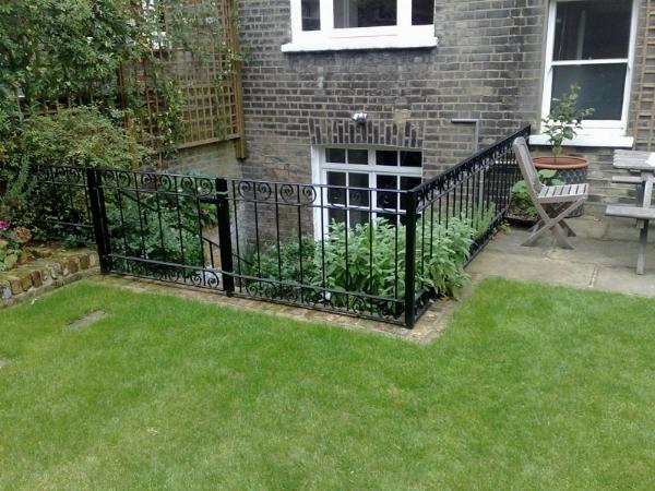 Ringhiere per recinzioni recinzioni - Recinzioni in metallo per giardino ...