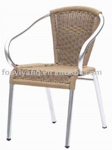 Sedie da giardino in alluminio tavoli da giardino for Sedie in alluminio