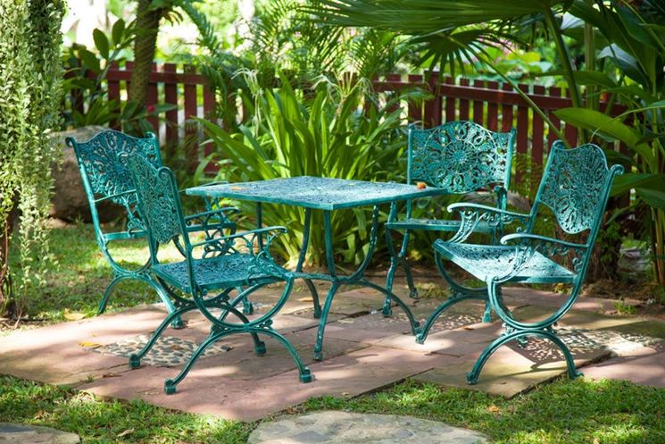 Sedie da giardino in ferro tavoli da giardino for Emu tavoli da giardino