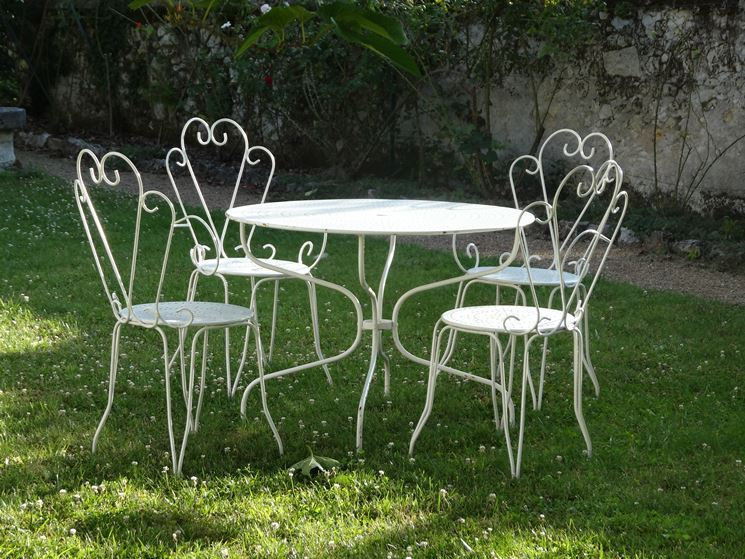 Sedie da giardino in ferro Tavoli da giardino