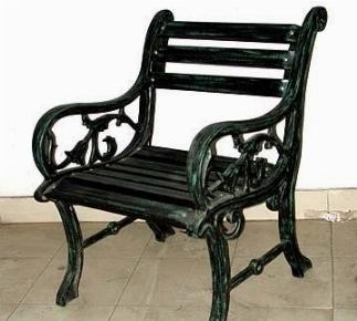 Sedie da giardino in ferro tavoli da giardino for Sedie giardino ferro