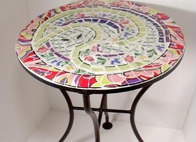 Casa immobiliare accessori tavoli da giardino rotondi for Tavolo rotondo mosaico