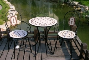 Tavoli da giardino a mosaico tavoli da giardino - Tavoli da giardino in ferro battuto e mosaico ...