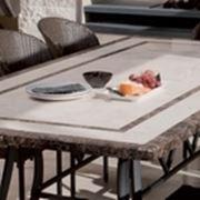Tavolo da giardino in pietra