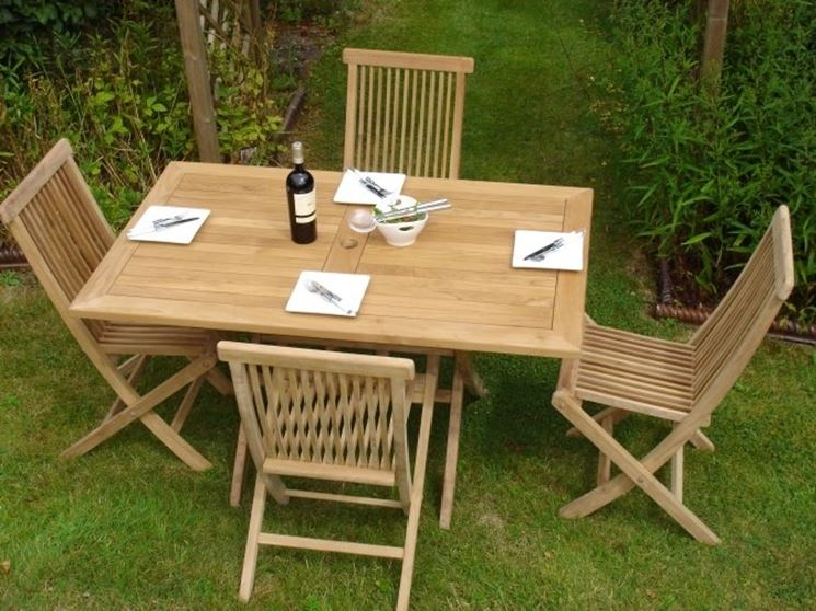 Tavoli da giardino pieghevoli tavoli da giardino for Set birreria offerta